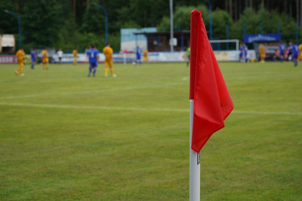 Das Spiel SV Etzenricht gegen SC Luhe-Wildenau beginnt bereits um 14:30 Uhr